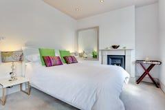 Chambre à coucher de luxe élégante moderne Photo stock