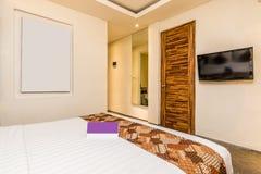 Chambre à coucher de luxe superbe d'hôtel photographie stock
