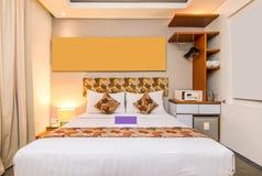 Chambre à coucher de luxe superbe d'hôtel image libre de droits