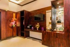 Chambre à coucher de luxe superbe d'hôtel images stock
