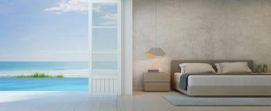 Chambre à coucher de vue de mer avec la terrasse dans la maison de plage de luxe, intérieur moderne de villa de piscine Images stock