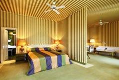 Chambre à coucher et salle de séjour photographie stock libre de droits