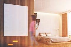 Chambre à coucher grise et en bois, affiche, fin modifiée la tonalité Photographie stock libre de droits