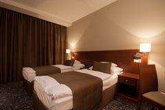 Chambre à coucher la nuit photographie stock