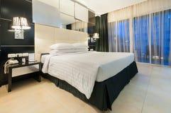 Chambre à coucher moderne photo stock