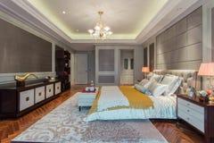 Chambre à coucher moderne photographie stock