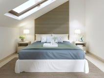 Chambre à coucher moderne avec le grand lit avec la couverture de turquoise Photos stock