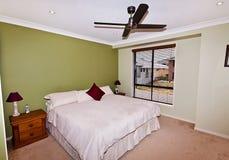 Chambre à coucher principale dans Cirtus Images libres de droits