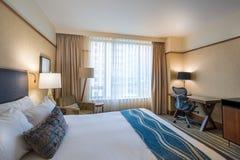 Chambre à coucher principale moderne dans un hôtel Image stock