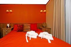Chambre à coucher rouge Photos stock
