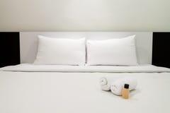 Chambre à coucher simple de couleur Images libres de droits
