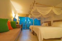 Chambre à coucher tropicale photo libre de droits