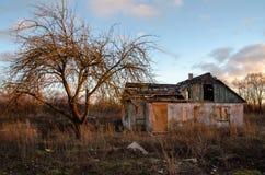 Chambre abandonnée images libres de droits
