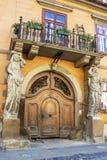 Chambre avec des cariatides à Sibiu, Roumanie photo libre de droits
