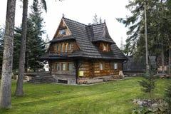 Chambre avec des configurations de style de Zakopane photo libre de droits