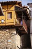 Chambre avec la galerie à Guijo Image stock