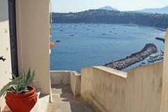 Chambre avec le procid d'île de vue Photographie stock libre de droits