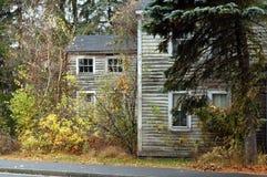 Chambre coloniale abandonnée Image stock