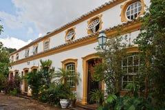 Chambre coloniale type dans Tiradentes Brésil. images libres de droits