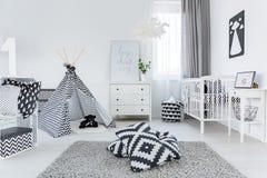 Chambre d'enfant dans le style scandinave image stock