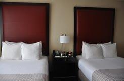 Chambre d'hôtel avec l'intérieur moderne Image stock