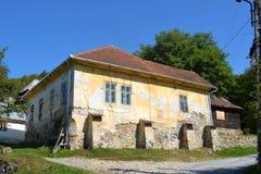 Chambre dans le village Rosia Montana - vieille mine d'or romaine Rosia Montana, la Transylvanie Images stock