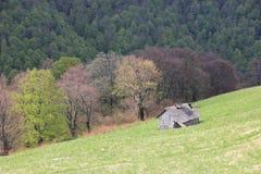 Chambre dans les montagnes au printemps Photo libre de droits