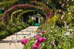 Chambre de Claude Monet dans Giverny photographie stock libre de droits
