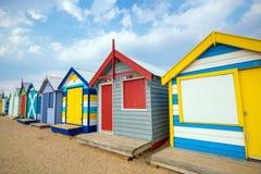 Chambre de plage colorée chez Brighton Beach, Melbourne photos stock