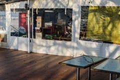 Chambre de thé vide au jour d'hiver - Turquie Photo stock