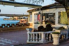 Chambre de thé vide au jour d'hiver - Turquie Images libres de droits