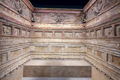 Chambre de tombe antique photographie stock