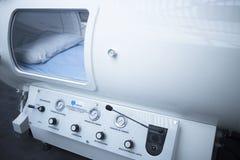 Chambre de traitement de thérapie d'oxygène de barothérapie de HBOT Photo stock