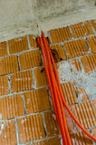 Chambre en construction préparée pour installer l'électricité Photos libres de droits
