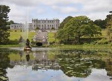 Chambre et jardins de Powerscourt photographie stock libre de droits