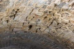 Chambre forte d'une voûte en pierre antique photographie stock