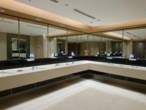 Chambre ouverte du terminal d'aéroport de Changi 4 Photos libres de droits