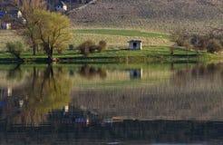 Chambre par le lac Photos libres de droits