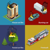 Chambre sur le feu, voiture brûlante, forêt sur le feu, Firetruck Suppression des incendies et aide aux victimes Vecteur isométri Photos libres de droits