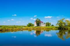 Chambre sur le lac Photos libres de droits