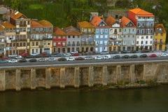 Chambre sur le remblai de la rivière de Douro, Porto Photos stock