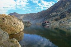 Chambre sur un lac Image stock