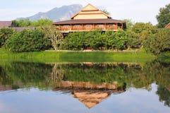 Chambre thaïe traditionnelle en Thaïlande du nord Images libres de droits