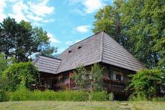 Chambre traditionnelle de Rosu - musée de village de Suceava Photos stock