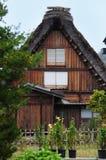 Chambre traditionnelle du Japon dans la verticale de Shirakawago Photos stock