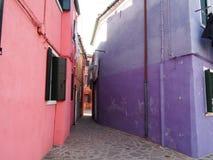 Chambres dans Burano photos stock