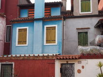 Chambres dans Burano images libres de droits