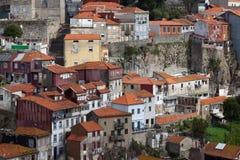 Chambres dans la vieille ville de Porto au Portugal Images stock