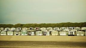 Chambres de plage sur la plage Photos stock