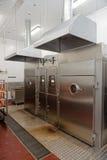 Chambres de tabagisme sur l'usine de traitement des denrées alimentaires des produits alimentaires photo stock